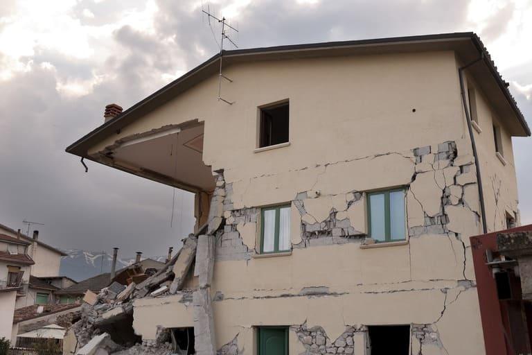 earthquake 1665887 1920 3